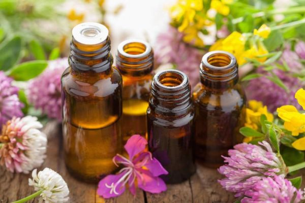 The Many Benefits of Essential Oils