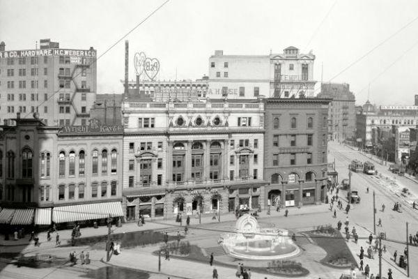 Postwar Detroit - Rebuilding the Paris of the Midwest