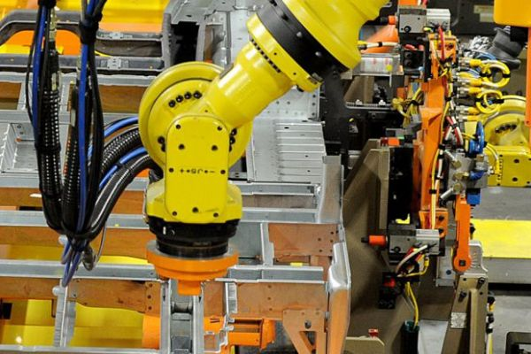 Manufacturing & Robots in the Auto Industry